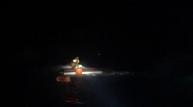 포항에서 어선침수, 7명 전원구조!
