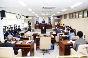 군위군의회 예결특위 위원장 홍복순의원, 간사 박운표 의원 선출