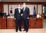 김영만 군위군수, 대구시편입관련 김부겸총리 협조요청